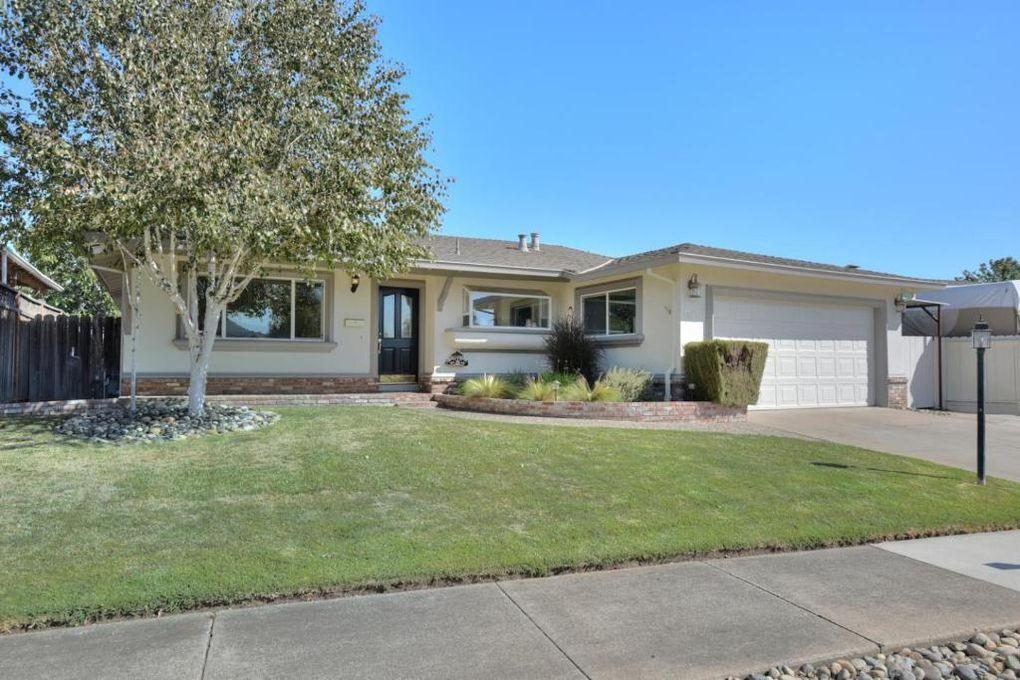 1321 Cedar Ct, Gilroy, CA 95020