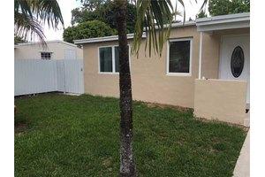 9801 SW 54th St, Miami, FL 33165