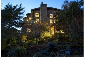 1118 Bigelow Ave N, Seattle, WA 98109