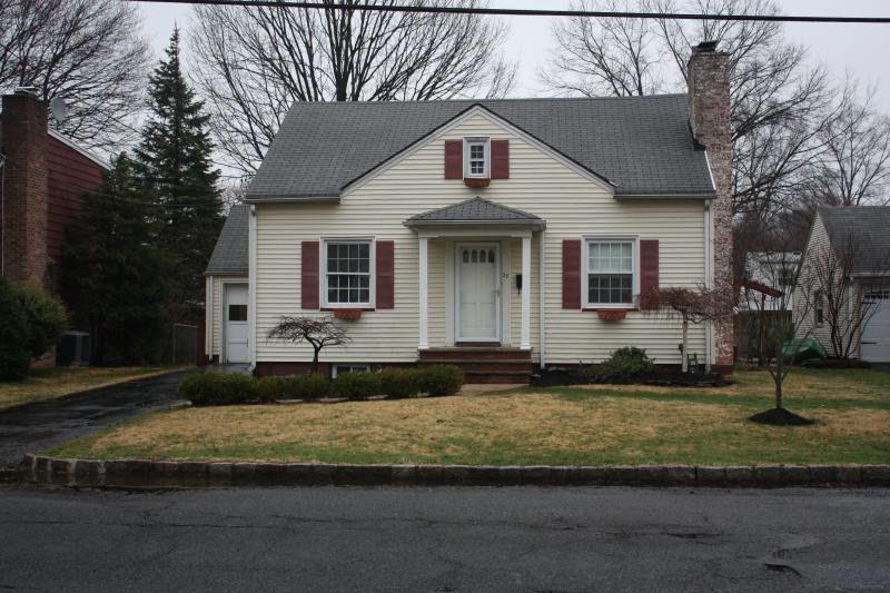 68 Casino Avenue, Cranford, New Jersey brick poker