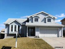 701 Eagle View Dr, Papillion, NE 68133