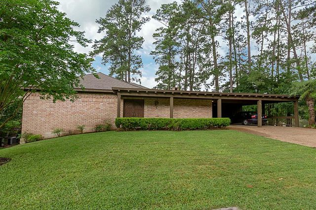 800 broadmoor dr huntsville tx 77340 home for sale and real estate listing