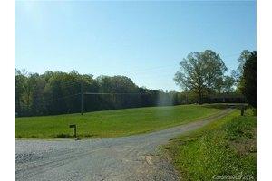 2816 Stevens Mill Rd, Matthews, NC 28104