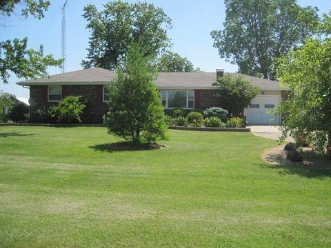1040 S Pleasantview Rd, Trilla, IL 62469
