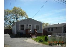 66 Dayton Rd, Bridgeport, CT 06606