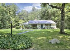 8 Valley Forge Ln, Weston, CT 06883