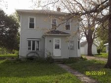 202 2nd Ave Ne, Waucoma, IA 52171