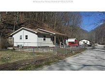 4849 Witcher Creek Rd, Belle, WV 25015