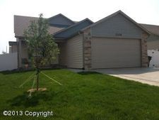 1306 Big Sky St, Gillette, WY 82718