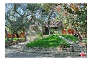 1767 Hillside Dr, Glendale, CA 91208