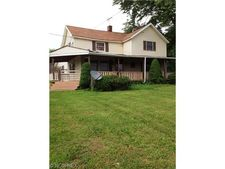 142 E Easton Rd, Creston, OH 44217