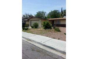 2012 Las Verdes St, Las Vegas, NV 89102