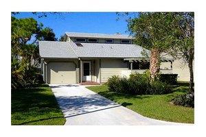 851 NE Dahoon Ter, Jensen Beach, FL 34957