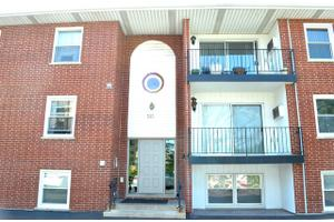515 N Cass Ave Apt 1A, Westmont, IL 60559