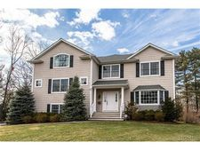 67 Richbell Rd, White Plains, NY 10605
