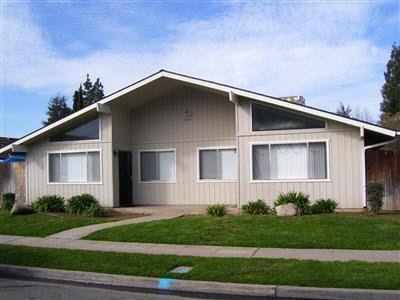 5605 N 10th St, Fresno, CA
