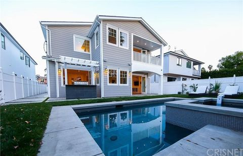 4513 Lennox Ave, Sherman Oaks, CA 91423