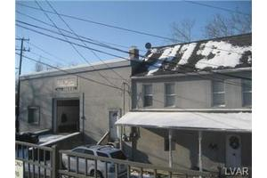 27 W 10th St, Northampton, PA 18067