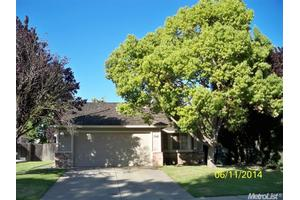 8713 Bluefield Way, Sacramento, CA 95823