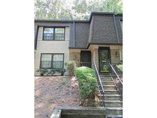 10 Arpege Way Nw, Atlanta, GA 30327