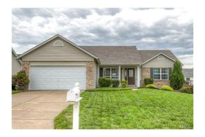 329 Stallion Trl, St Peters, MO 63376