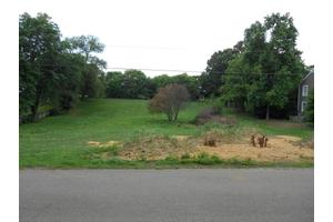 Belle Aire Cir, Roanoke, VA 24018