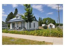 800 2nd St, North Powder, OR 97867