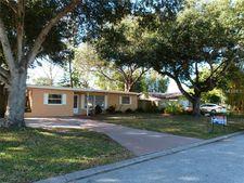 8674 Quail Rd, Seminole, FL 33777