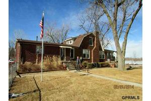 8 Carter Lake Clb, Carter Lake, IA 51510