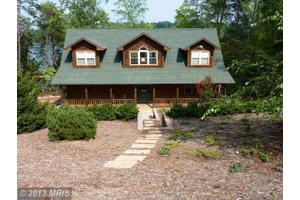 994 Clear Pointe Rd, Lynch Station, VA 24571