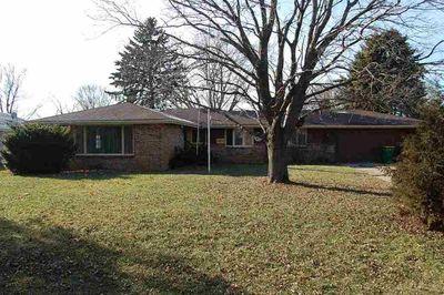 2084 Inner Circle Dr, Rockford, IL