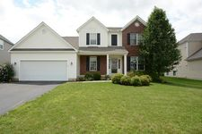 217 Fox Glen Dr E, Pickerington, OH 43147