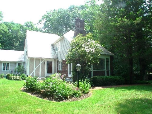 107 New Canaan Rd, Wilton, CT