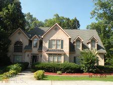528 Country Club Dr, Stockbridge, GA 30281