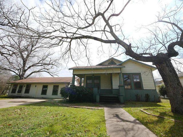 608 Saint Vincent St, Gonzales, TX
