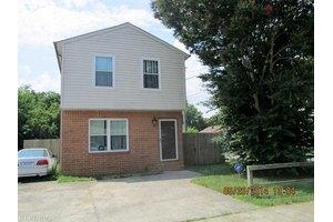 1075 Johnstons Rd, Norfolk, VA 23513