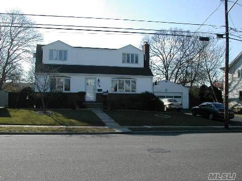 24 7th Ave, Farmingdale, NY