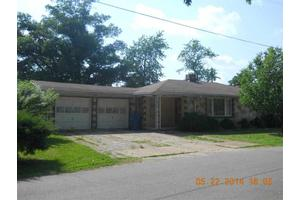 1209 N 11th St, Poplar Bluff, MO 63901