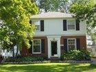 1513 Roslyn Road, Grosse Pointe Woods, MI 48236