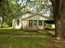 320 N Preston St, Thayer, KS 66776