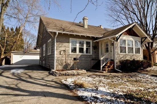 318 Washington St, Barrington, IL 60010