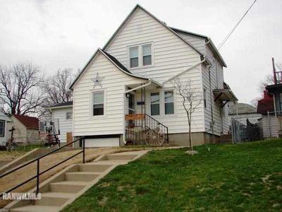810 W Chestnut St, Freeport, IL