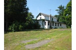 24 Blake St, Norwalk, CT 06851