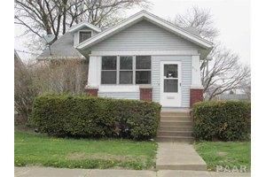 615 E Archer Ave, Peoria, IL 61603