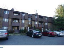 213 Woodmill Dr, Cranbury, NJ 08512
