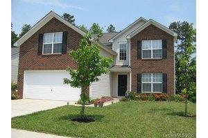 2701 Bridgeville Ln, Charlotte, NC 28262