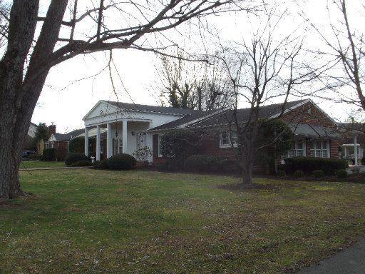 1207 Gloucester Ave, Middlesboro, KY 40965