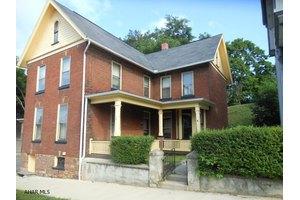 211 Walnut St, Hollidaysburg, PA 16648