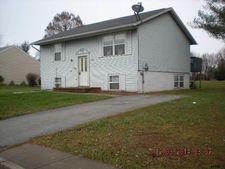 514 Lakeview Cir, Littlestown, PA 17340