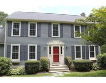 2 Heights Rd, Franklin, MA 02038